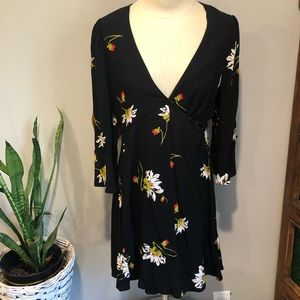 FREE PEOPLE 💥 Black Wrap Dress Small